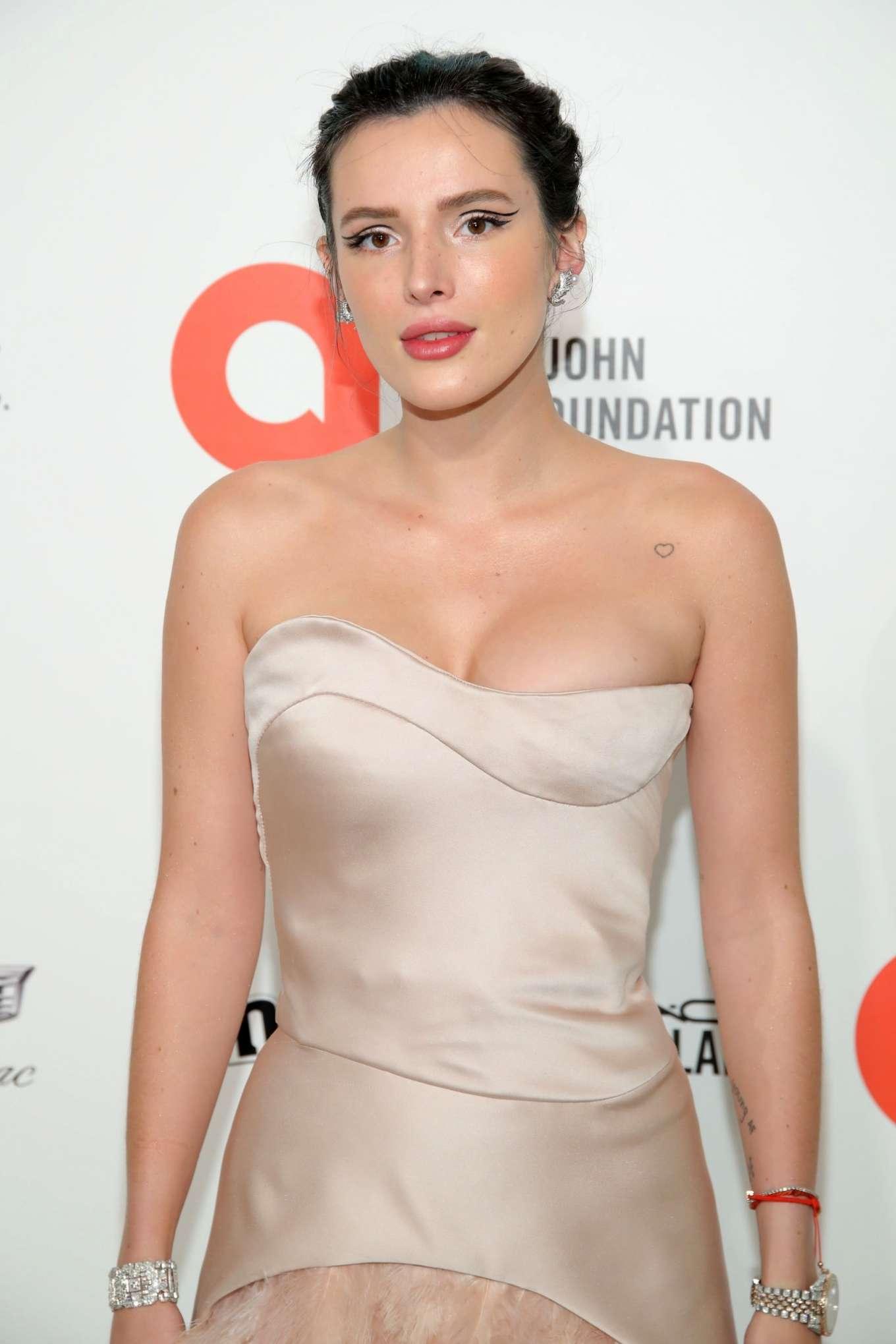 Bella Thorne 2020 : Bella Thorne – 2020 Elton John AIDS Foundation Oscar Viewing Party-15