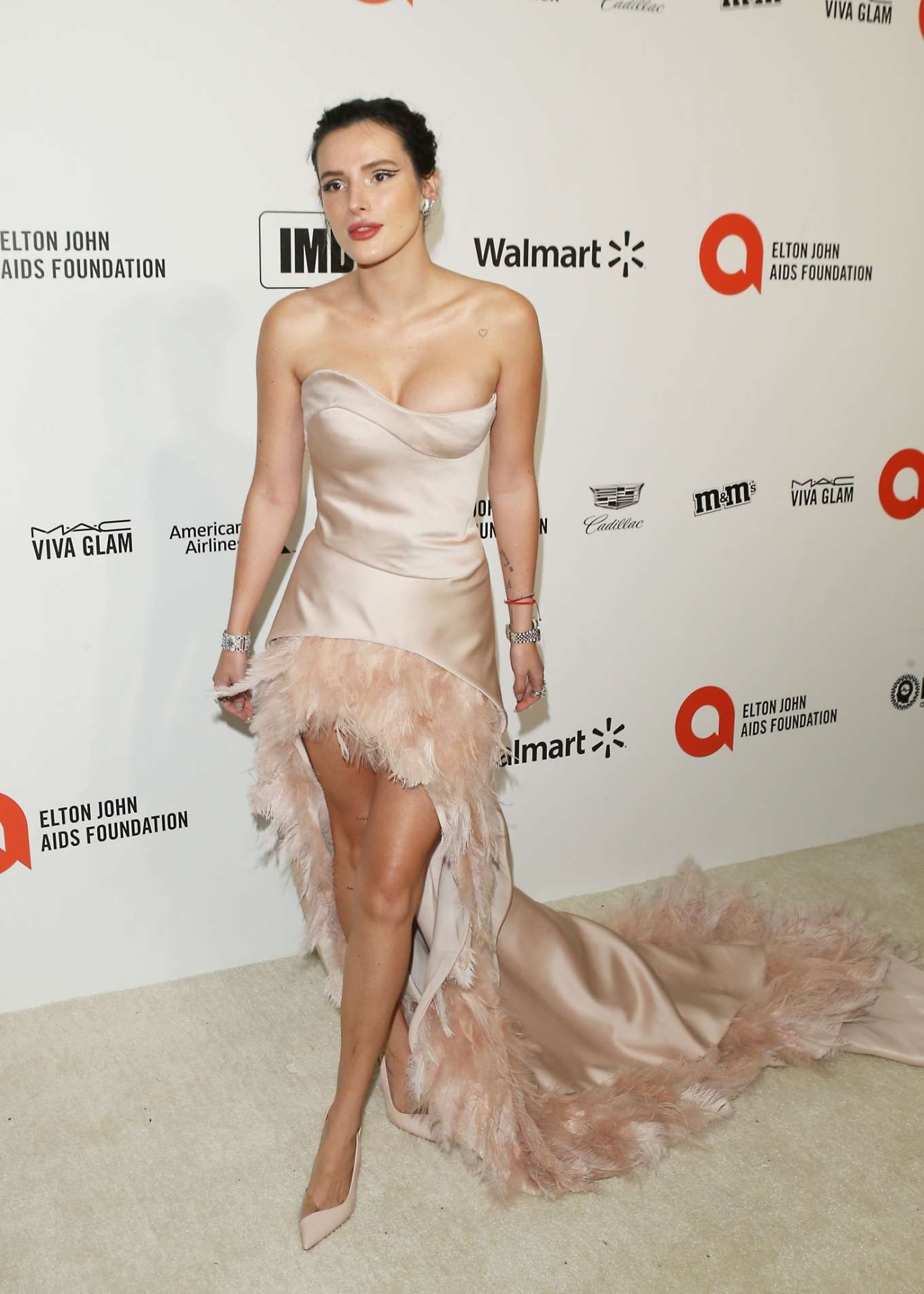 Bella Thorne 2020 : Bella Thorne – 2020 Elton John AIDS Foundation Oscar Viewing Party-16