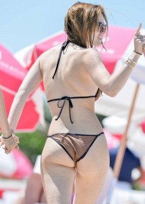 Bella Thorne and Dani Thorne: Hot in a Bikini on the beach in Miami-07