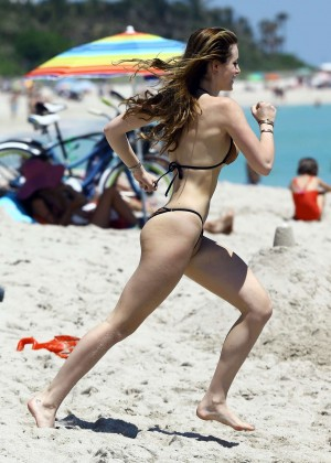 Bella Thorne and Dani Thorne: Hot in a Bikini on the beach in Miami-18