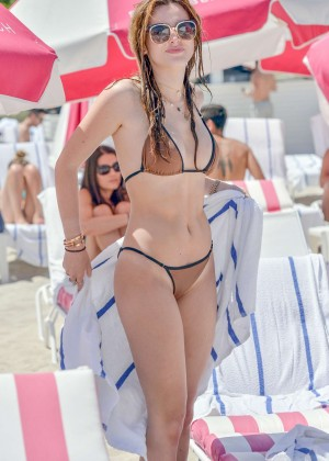 Bella Thorne and Dani Thorne: Hot in a Bikini on the beach in Miami-44