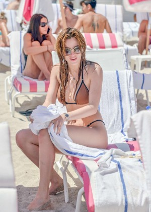 Bella Thorne and Dani Thorne: Hot in a Bikini on the beach in Miami-65