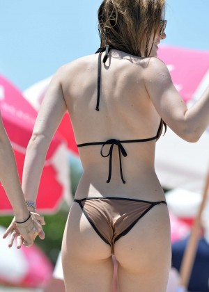 Bella Thorne and Dani Thorne: Hot in a Bikini on the beach in Miami-67
