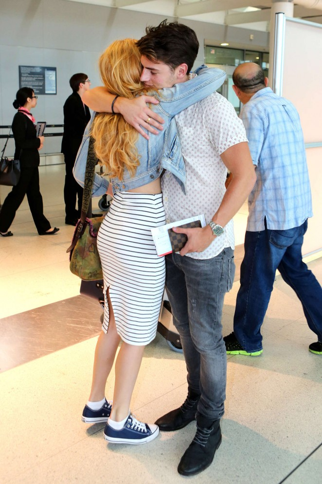 Bella Thorne: Arrives at Pearson Airport -13