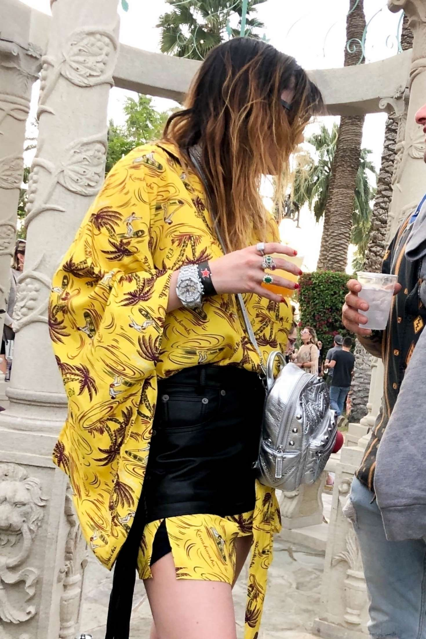 Bella Thorne 2019 : Bella Thorne at 2019 Coachella -12