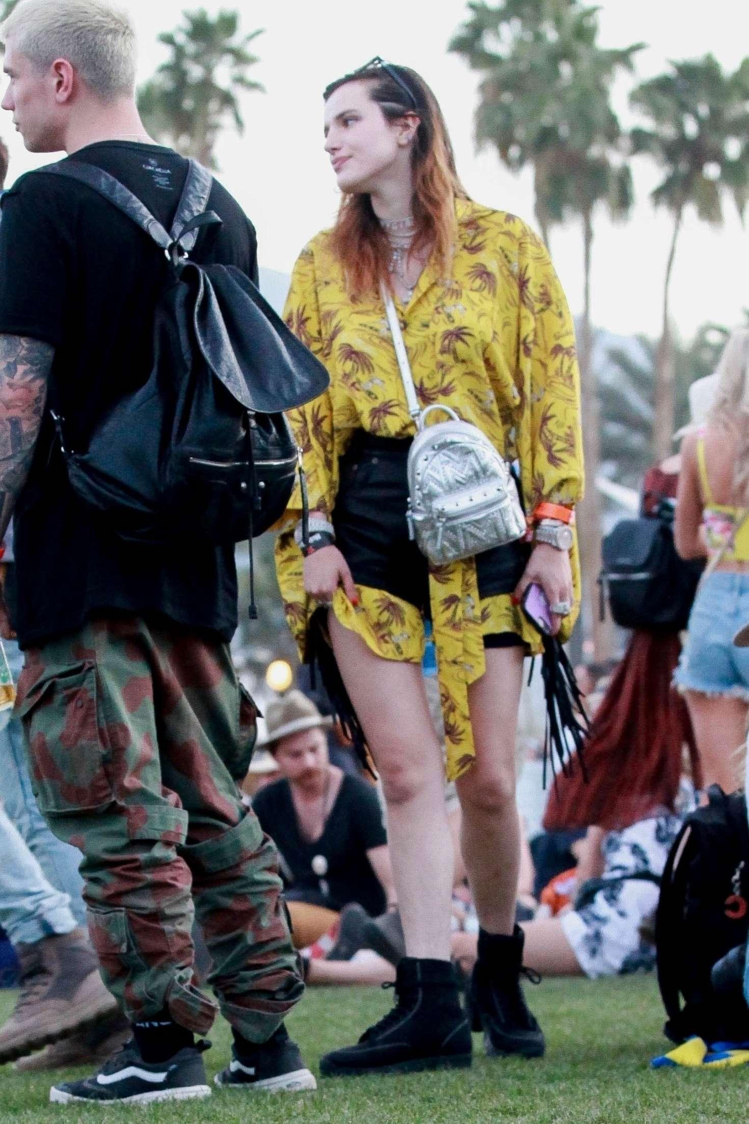 Bella Thorne 2019 : Bella Thorne at 2019 Coachella -19