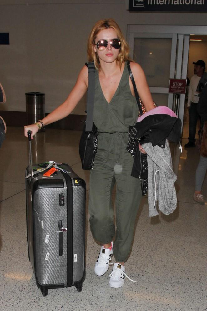 Bella Thorne at Los Angeles International Airport