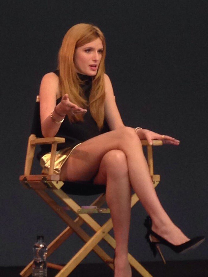 Bella Thorne At The Apple Store In London Gotceleb
