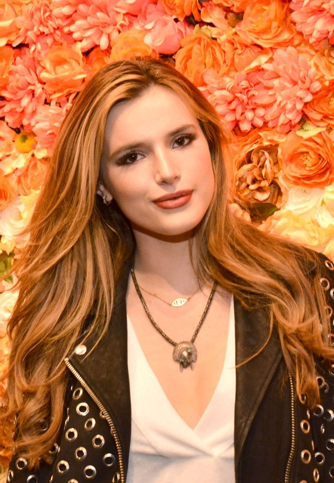 Bella Thorne - Boohoo.com Pop-Up Shop Launch in Los Angeles