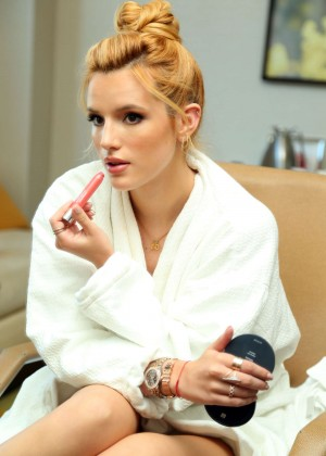 Bella Thorne - Getting Ready for The 2015 MTV Video Music Awards in LA