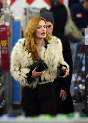Bella Thorne – Goes for shopping in Los Angeles