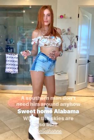 Bella Thorne - Got social