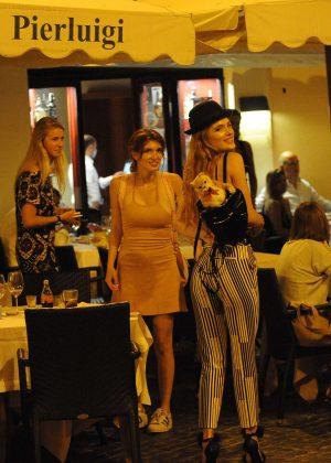 Bella Thorne: Having Dinner in Rome -01