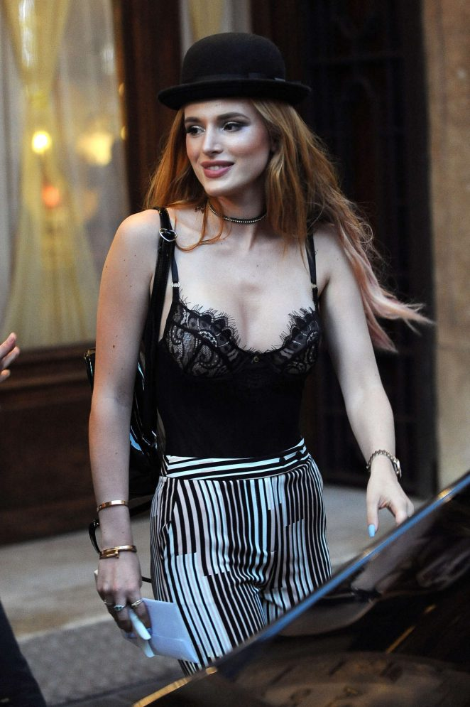 Bella Thorne - Having Dinner in Rome
