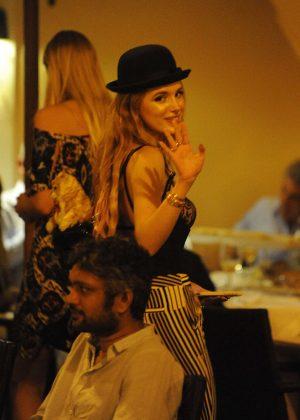 Bella Thorne: Having Dinner in Rome -07