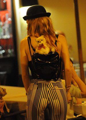 Bella Thorne: Having Dinner in Rome -13