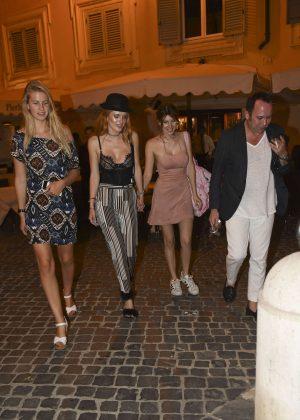 Bella Thorne: Having Dinner in Rome -26