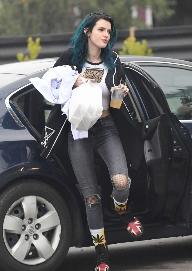 Bella Thorne: Having Lunch in Los Angeles -16