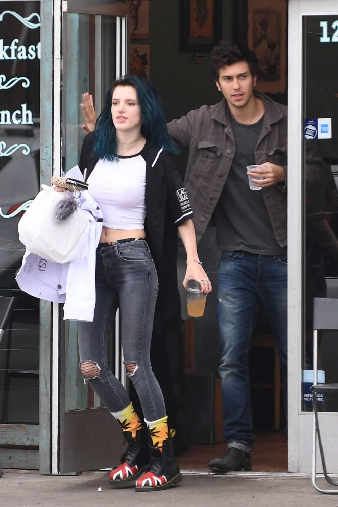Bella Thorne: Having Lunch in Los Angeles -17