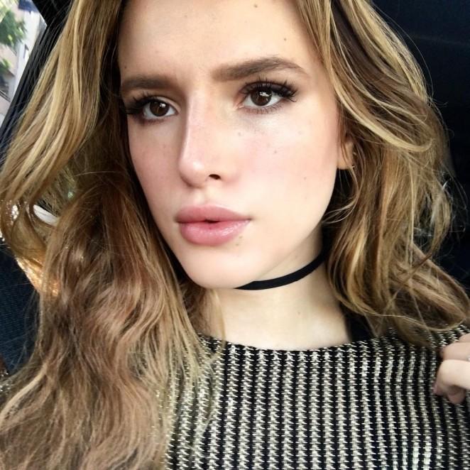 Bella Thorne Hot Instagram Photos -01
