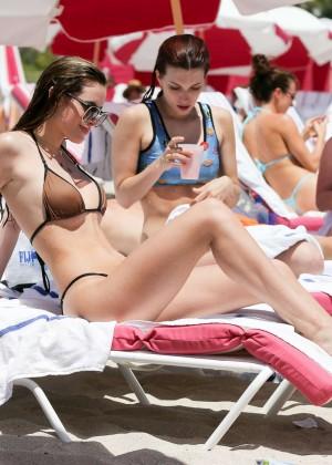 Bella Thorne Hot in Bikini 2016 -25