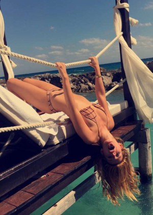 Bella Thorne in Bikini 2016 -02