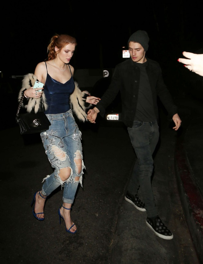 Bella Thorne in Ripped Jeans -24