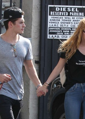 Bella Thorne Booty in Jeans -01