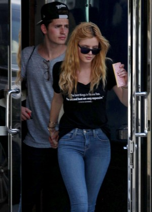 Bella Thorne Booty in Jeans -02