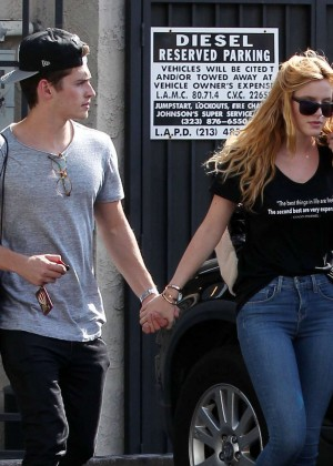 Bella Thorne Booty in Jeans -12
