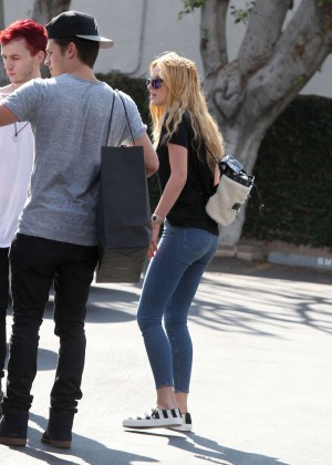 Bella Thorne Booty in Jeans -13