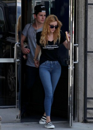 Bella Thorne Booty in Jeans -15
