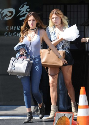 Bella Thorne Booty in Jeans -11