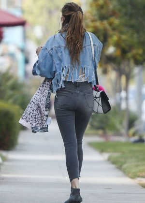 Bella Thorne in Skinny Jeans Out in Los Angeles