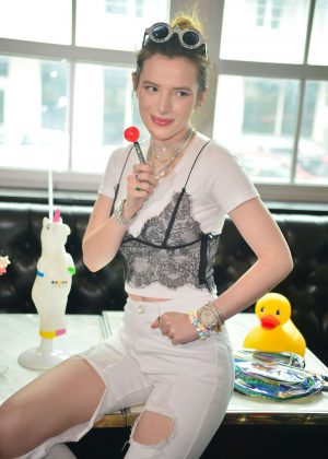 Bella Thorne - Meet and Greet at Sugar Factory in Miami