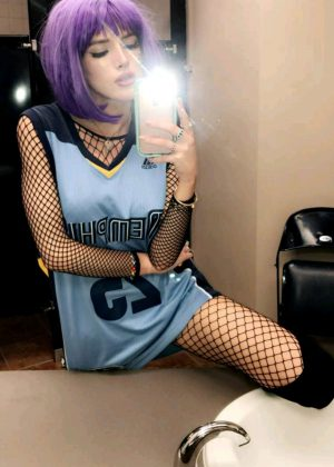 Bella Thorne on Memphis Grizzlies game - Snapchat