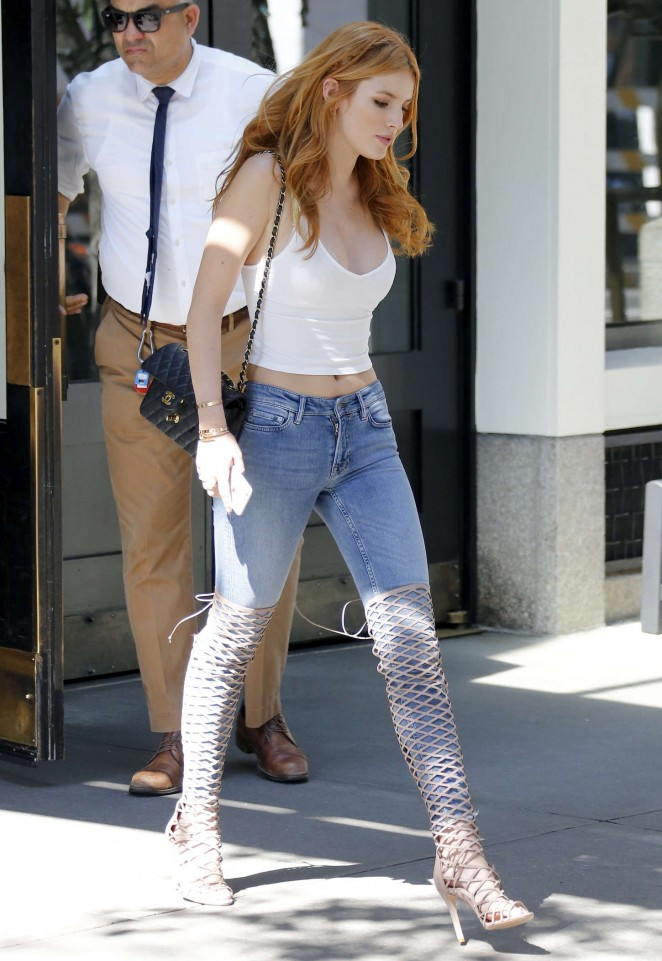 Bella Thorne in Tight Jeans -02