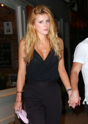 Bella Thorne - Out in the evening in NYC