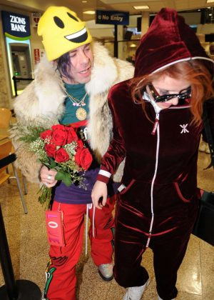 Bella Thorne - Seen at the airport with Mod Sun in Salt Lake City