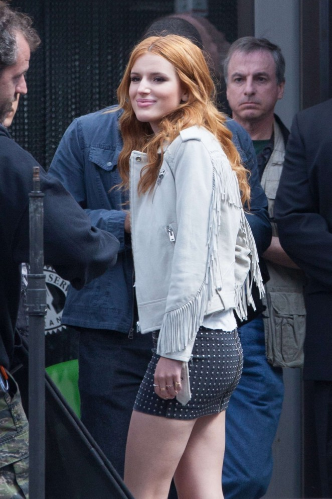 "Bella Thorne - Set of ""Alvin and the Chipmunks: Road Chip"" in Georgia"