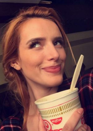 Bella Thorne: Social Media -03
