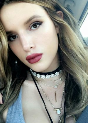 Bella Thorne: Social Media -15