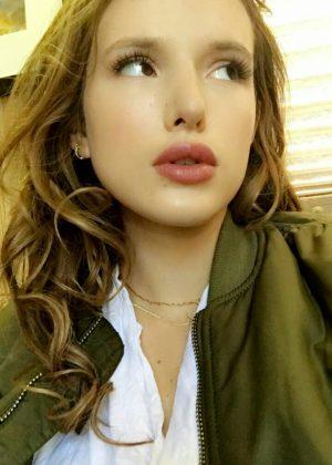 Bella Thorne: Social Media -23