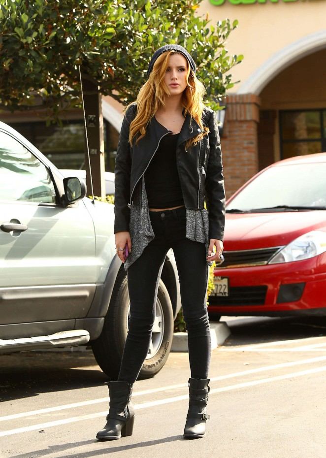 Bella Thorne Bella Thorne in Tight Jeans out in LA