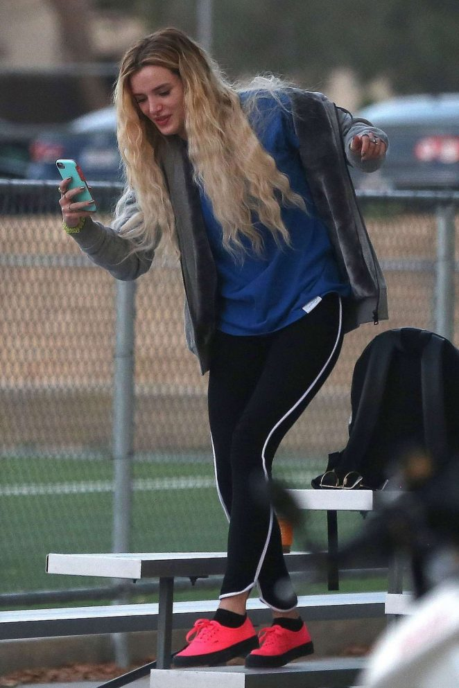 Bella Thorne – Supports Gregg Sulkin at a soccer game -03