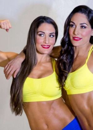 Bella Twins: Muscle and Fitness Hers 2015 (Behind the Scenes) -15