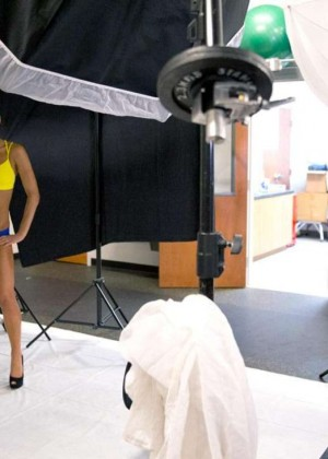 Bella Twins: Muscle and Fitness Hers 2015 (Behind the Scenes) -21