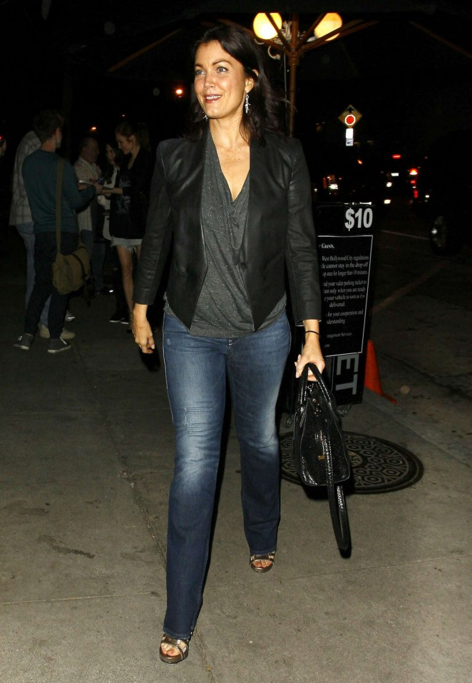 Bellamy Young in Jeans at Craigs Restaurant -02