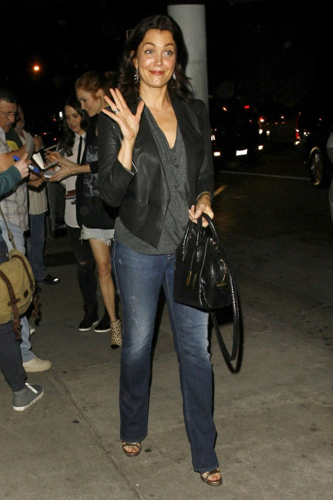 Bellamy Young in Jeans at Craigs Restaurant -07