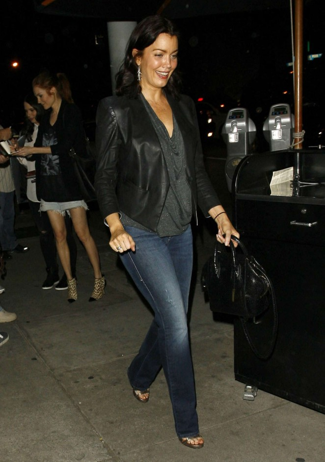 Bellamy Young in Jeans at Craigs Restaurant -08